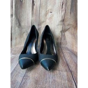 Calvin Klein Nalene Black Heels Sz 7.5 Z11